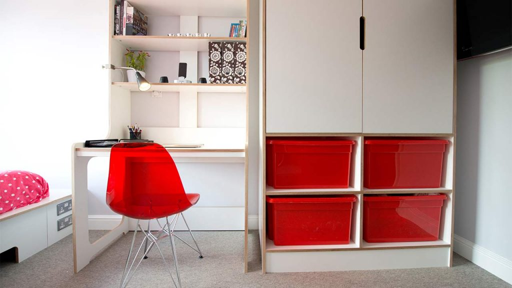 Desk-and-Wardrobe